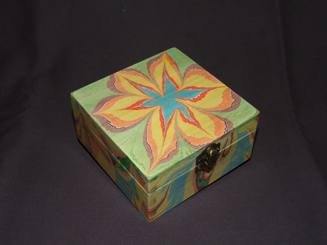 Marbled Box with Flower Design