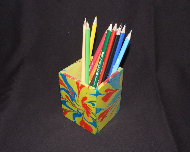 Desk Tidy with Marbling Decoration in Yellow, Red and Blue