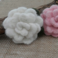 Needle felted rose corsage (white)