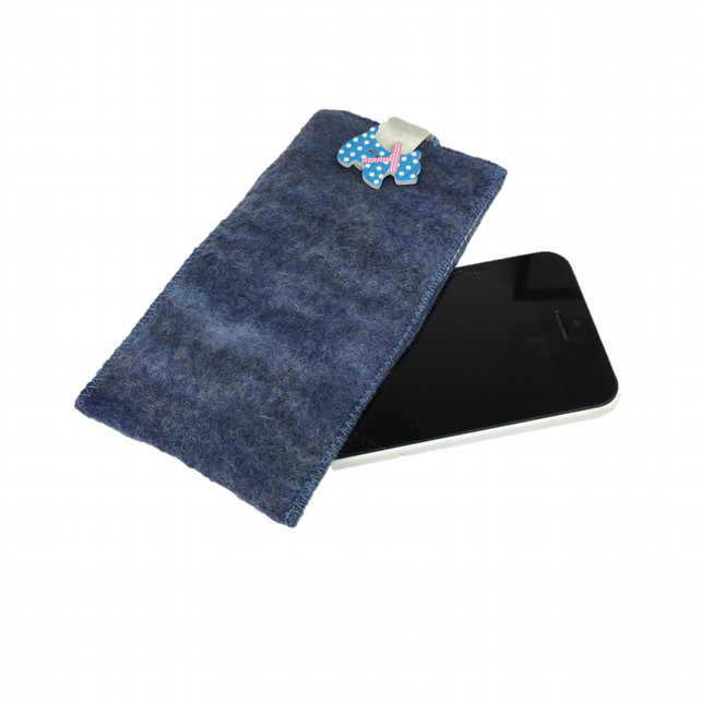 iPhone 5 sleeve, hand felted in blue with scottie dog embellishment