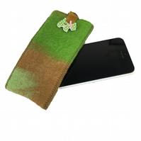 Felted sleeve for iPhone 5 in green and brown with scottie dog