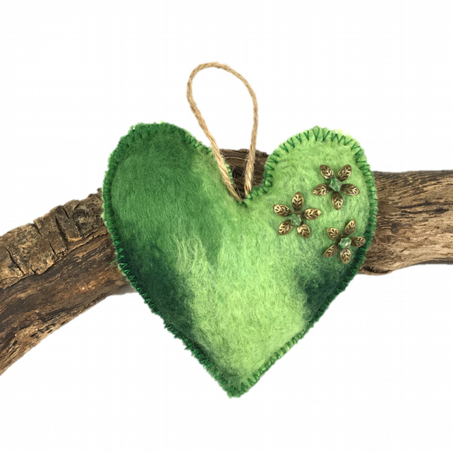 Lavender scented hand felted padded heart in green shades (1)