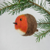 Needle felted robin bauble