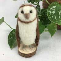 Needle felted barn owl sculpture, model