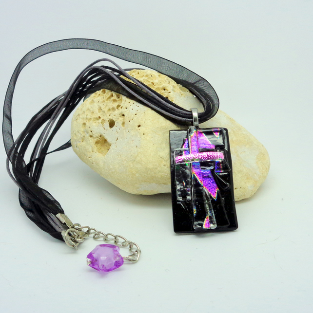 "Dichroic glass pendant ""Shards"""