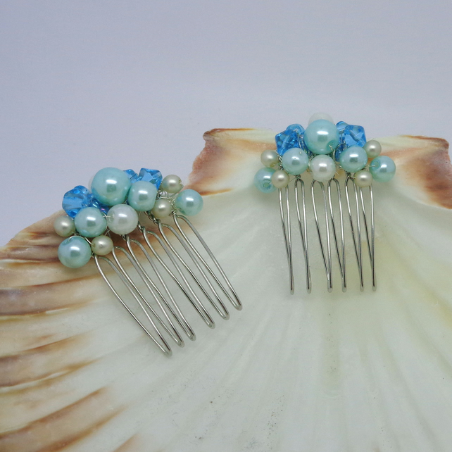 Turquoise, cream & white pair of hair combs
