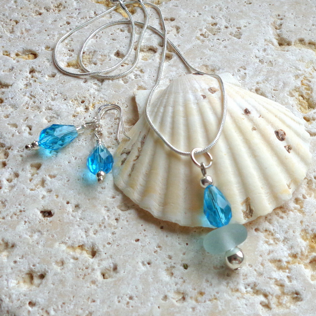 Sea glass & crystal pendant with earrings set