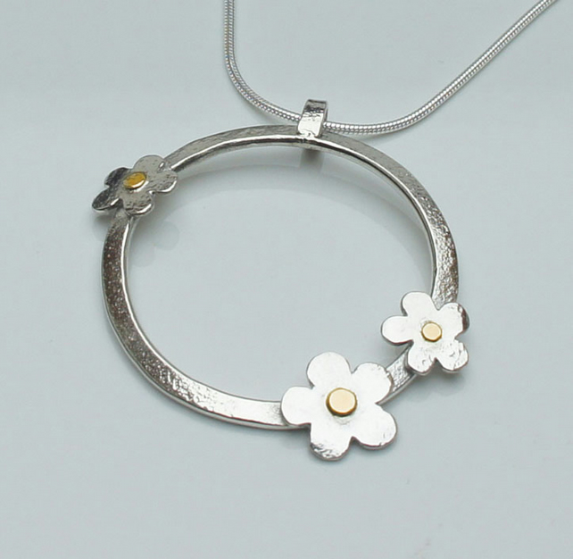 Sterling Silver Flowers necklace