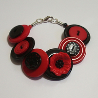 Poppies - Red and Black button bracelet