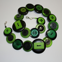 Halloween - Green and Black button necklace