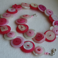 Summer - Hot pink, pale pink and pearlescent button necklace - Free UK Shipping