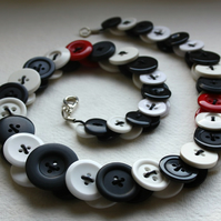 Black, White and Red Button Necklace FREE UK SHIPPING