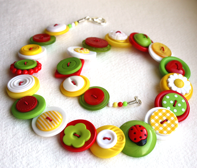 Ladybird & Daisy Red,White,Lime Green & Yellow button necklace FREE UK SHIPPING