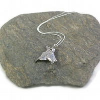 Ivy Leaf Pendant - small - fine silver
