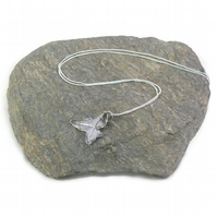 Small Ivy Leaf Necklace in fine silver