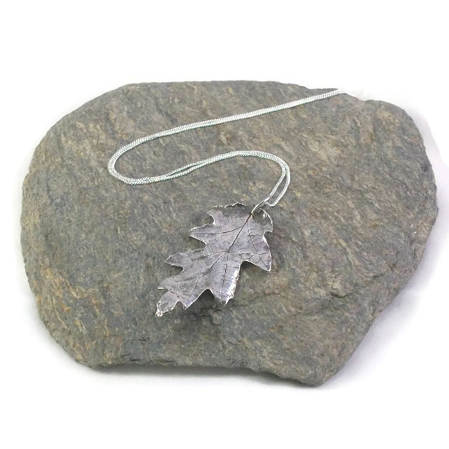 Silver Oak Leaf Pendant Necklace