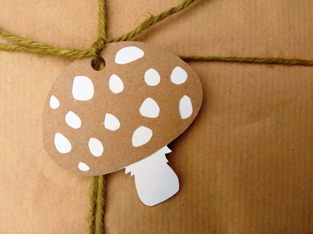 Kraft Woodland Toadstool layered papercut gift tags - pack of 4