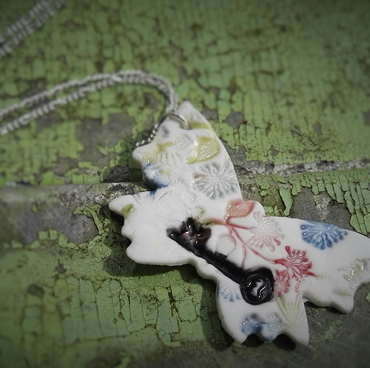 BUTTERFLY AND KEY  NECKLACE, VINTAGE STEAMPUNK, hand made.