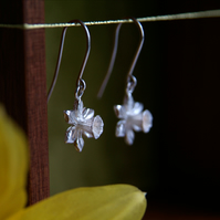 Daffodil Flower Earrings, Silver Flower Drops, Spring Welsh Flower