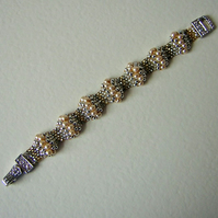 Metallic neutrals wavy peyote stitch bracelet