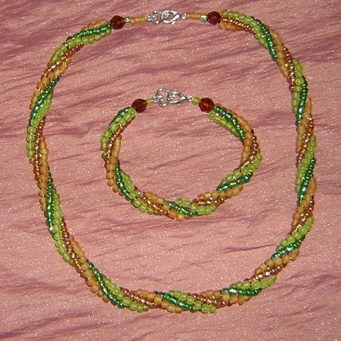 SALE Honey and lime twist Necklace and bracelet set