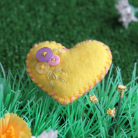 Tiny, hand-embroidered felt heart brooch with buttons - lemon yellow