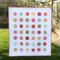 Circles baby quilt - reversible design - modern nursery