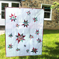 Modern baby i-Spy quilt - floating stars - ready to ship