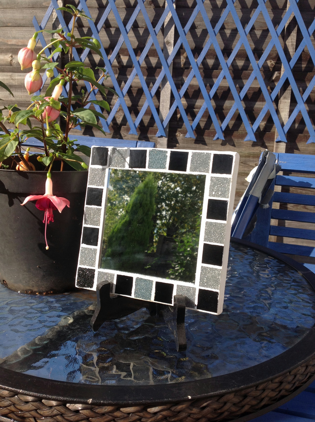 Small Square Mosaic Mirror -Black 1