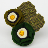 Green Auricula Flower Brooch