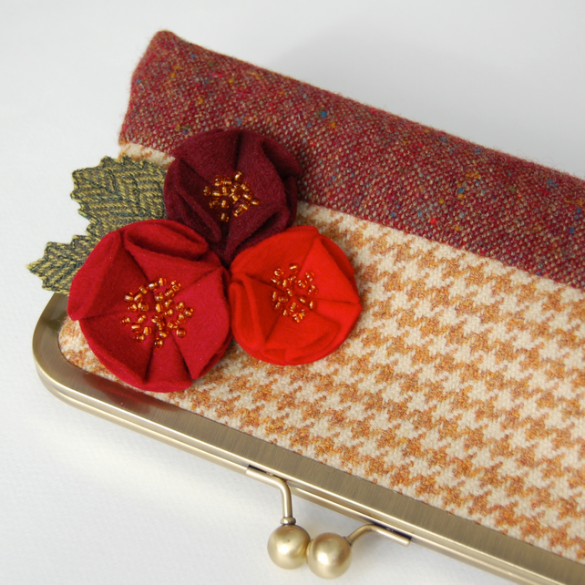 Red Rose Tweed Purse