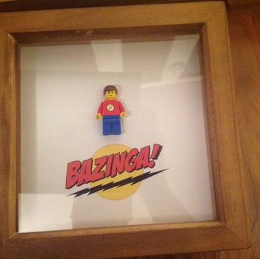 SHELDON - BIG BANG THEORY - FRAMED CUSTOM LEGO MINIFIGURE IN BOX FRAME