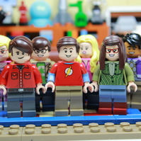 THE BIG BANG THEORY - LEGO MINIFIGURES - 8 x 6 MOUNTED PRINT - READY TO FRAME