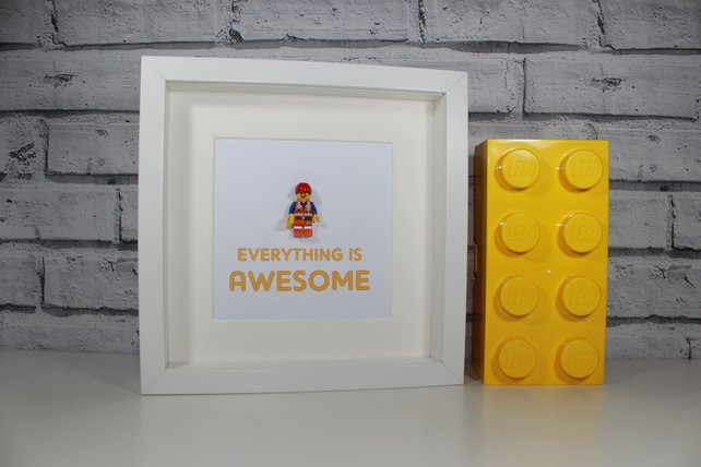 EVERYTHING IS AWESOME - THE LEGO MOVIE - FRAMED EMMETT MINIFIGURE