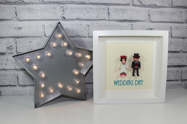PLAYMOBIL - BRIDE AND GROOM - WEDDING DAY - FRAMED FIGURES - AWESOME GIFT