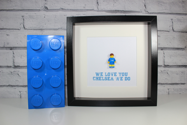 CHELSEA FC - FRAMED CUSTOM FOOTBALL MINIFIGURE - LEGO FOOTBALLER