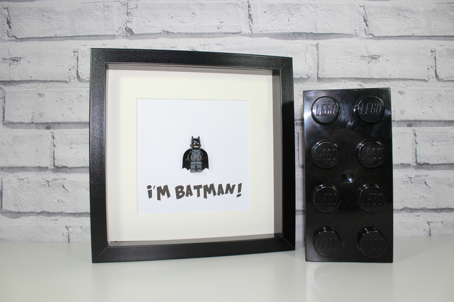 DARK KNIGHT - BATMAN - FRAMED MINIFIGURE - AWESOME ART WORK