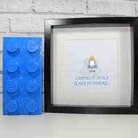 ALICE IN WONDERLAND - FRAMED LEGO DISNEY CLASSIC MINIFIGURE