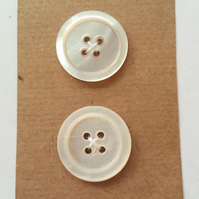 Set of 2 Vintage Buttons