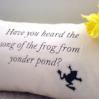 Song of the frog cushion