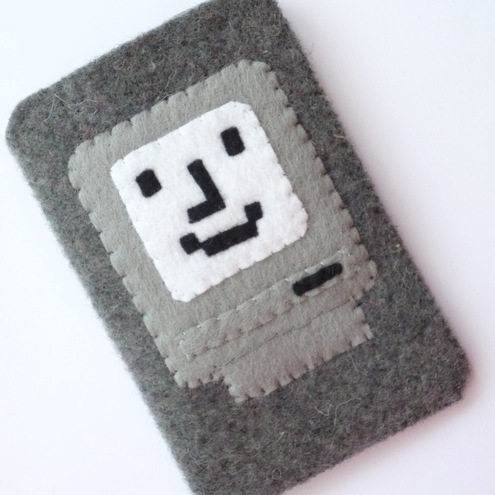 iPod iPhone Case Pouch of Happy Mac