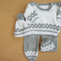 Babies knitted pram set