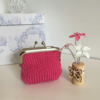 Small Pink Hand Knit  Metal Coin Purse with Kiss Lock Frame