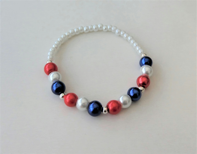 Red white and blue glass pearl elasticated stretch bracelet. Style 2