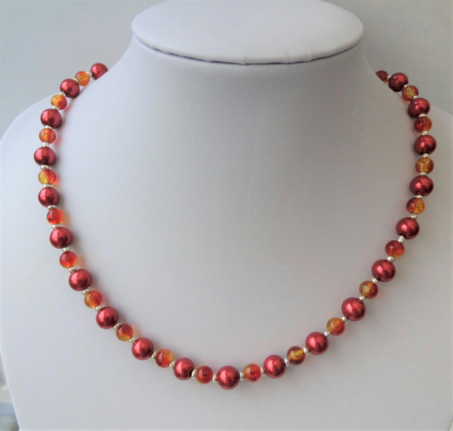 Red pearl and red-yellow crackle bead necklace