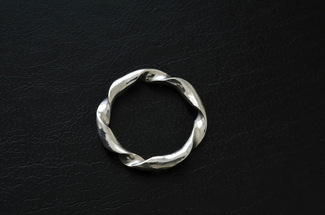 Sterling Silver Chunky Twist ring, size K,  R41