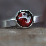 Sterling Silver Ring with Garnet Gemstone,  size R,  R47B2