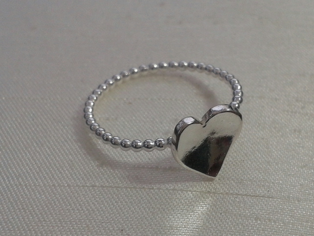 Beaded Sterling Silver Ring with Domed Heart, size N, R84