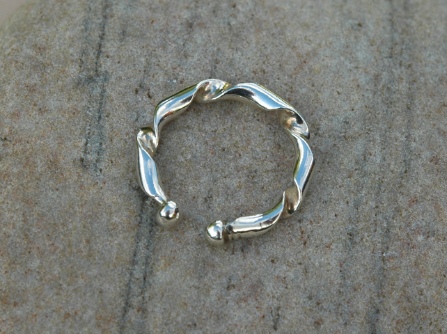 Sterling Silver Open Torc Ring, size L-M,   R41D