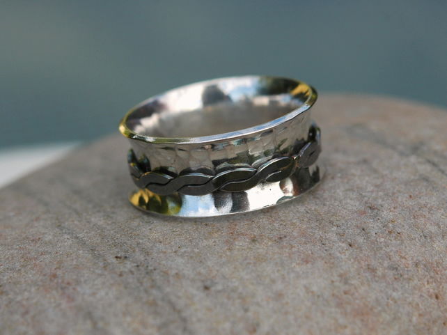 Spinning Ring in Sterling Silver with Flat Twisted Spinner,  size O, R104